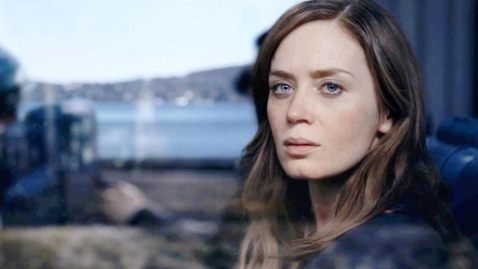 the-girl-on-the-train-movie-emily-blunt